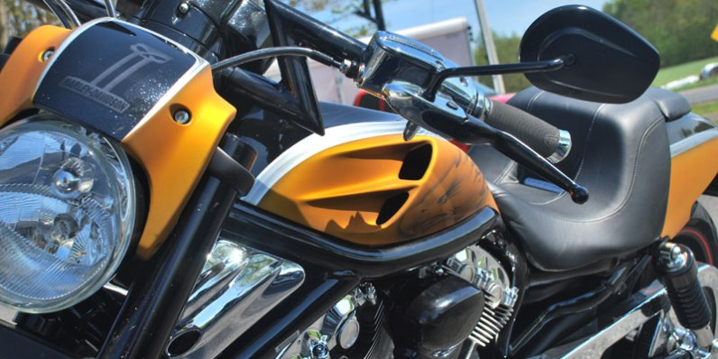 Flat Candy Yellow & Black Gloss Harley Davidson V-Rod Screamin' Eagle