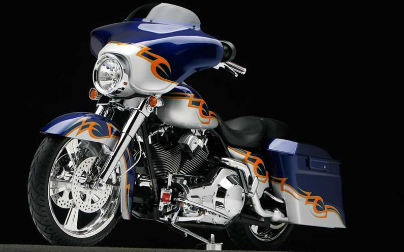 Street Glide with Tribal Split